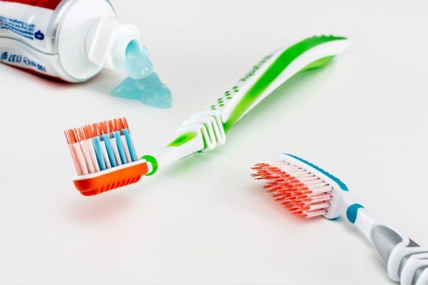Zahnpasta-Test von Öko-Test: 195 von 396 fallen durch