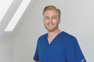 Dr. Henrik Andersen ist als ist Fachzahnarzt für Oralchirurgie auch Experte für Weisheitszahn-OP